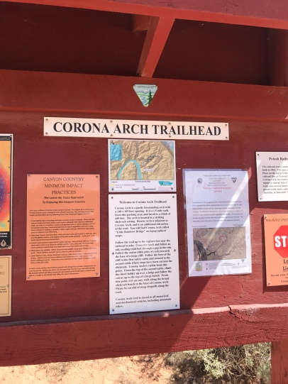 Corona Arch trailhead